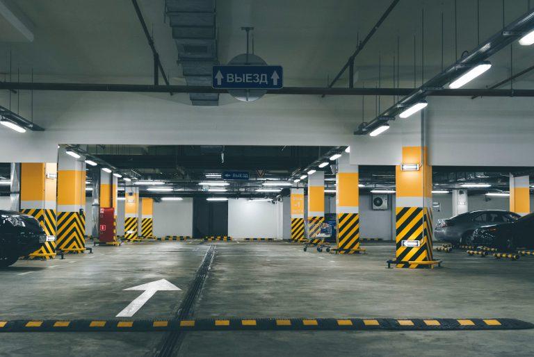 leelyn-parking